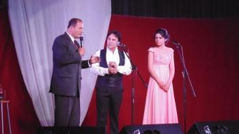 Catalina Henríquez junto al tenor chileno.