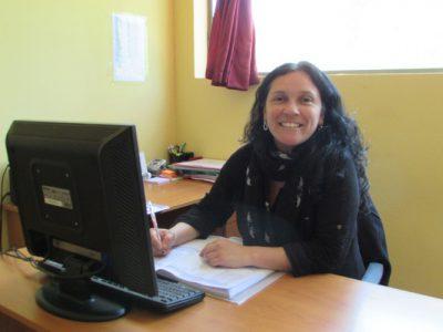 Miss Andrea Zamora (Secretaria Académica Enseñanza Media).
